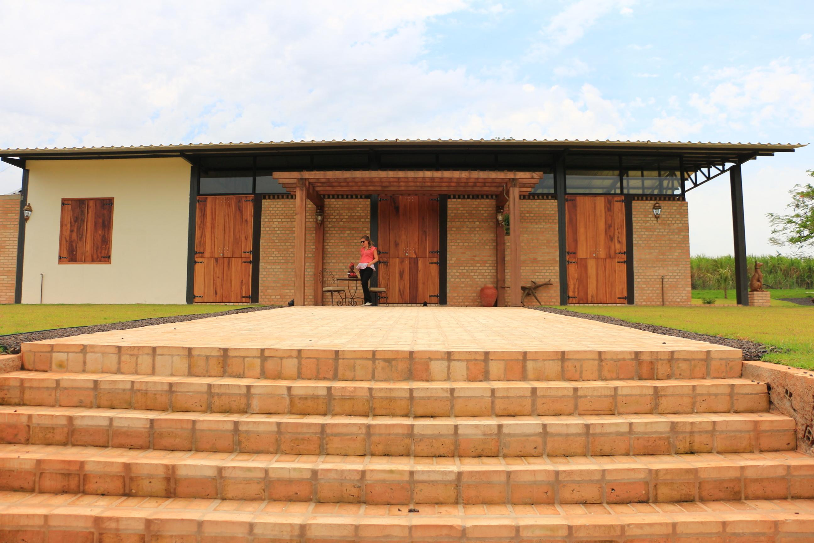 CASA GALPÃO (UM LOFT NO CAMPO) « TETO Arquitetura Sustentável e  #AA6B21 2592x1728 Arquitetura Sustentavel Banheiro