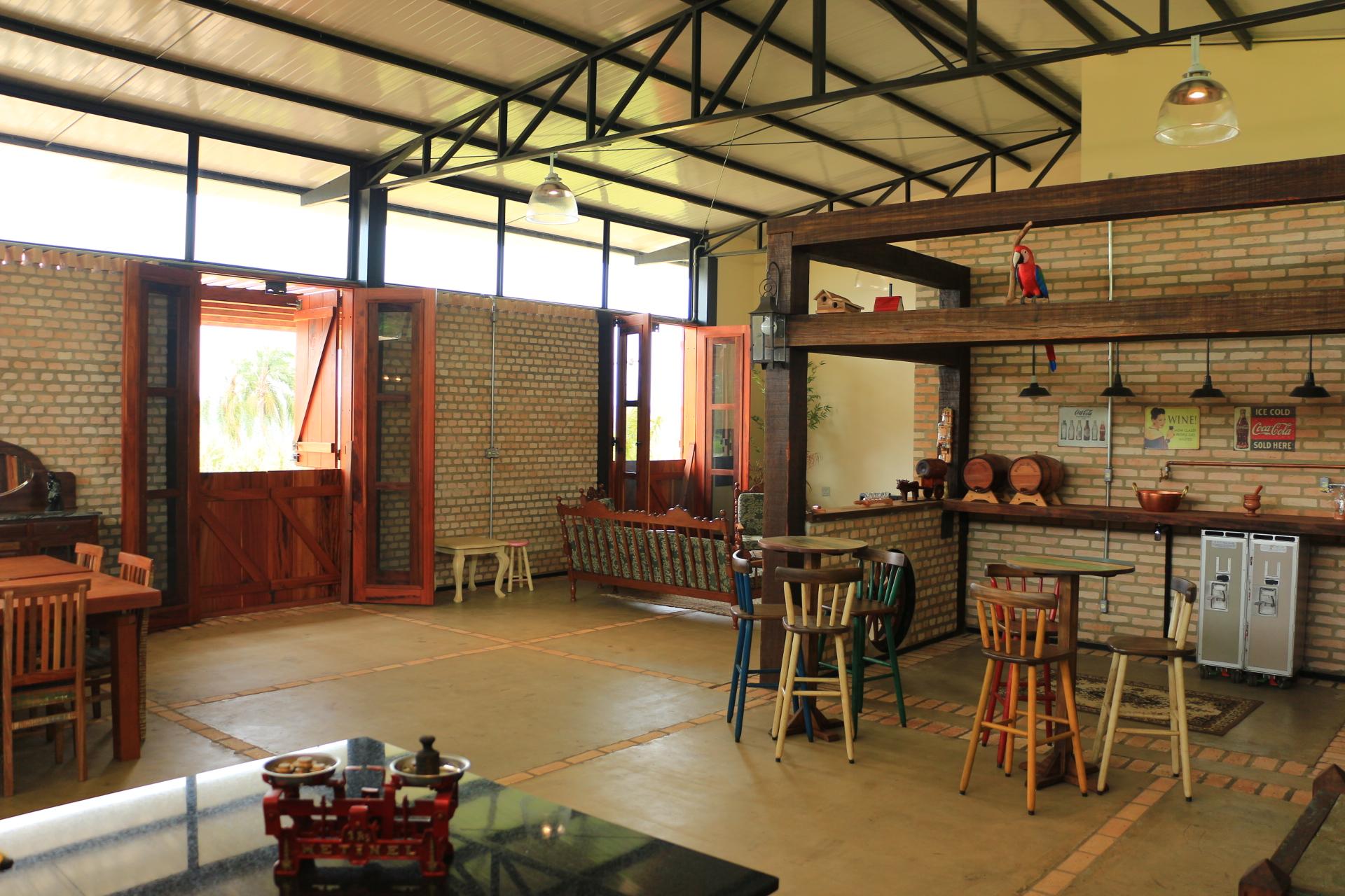 CASA GALPÃO (UM LOFT NO CAMPO) « TETO Arquitetura Sustentável e  #A53F26 1920x1280 Arquitetura Sustentavel Banheiro