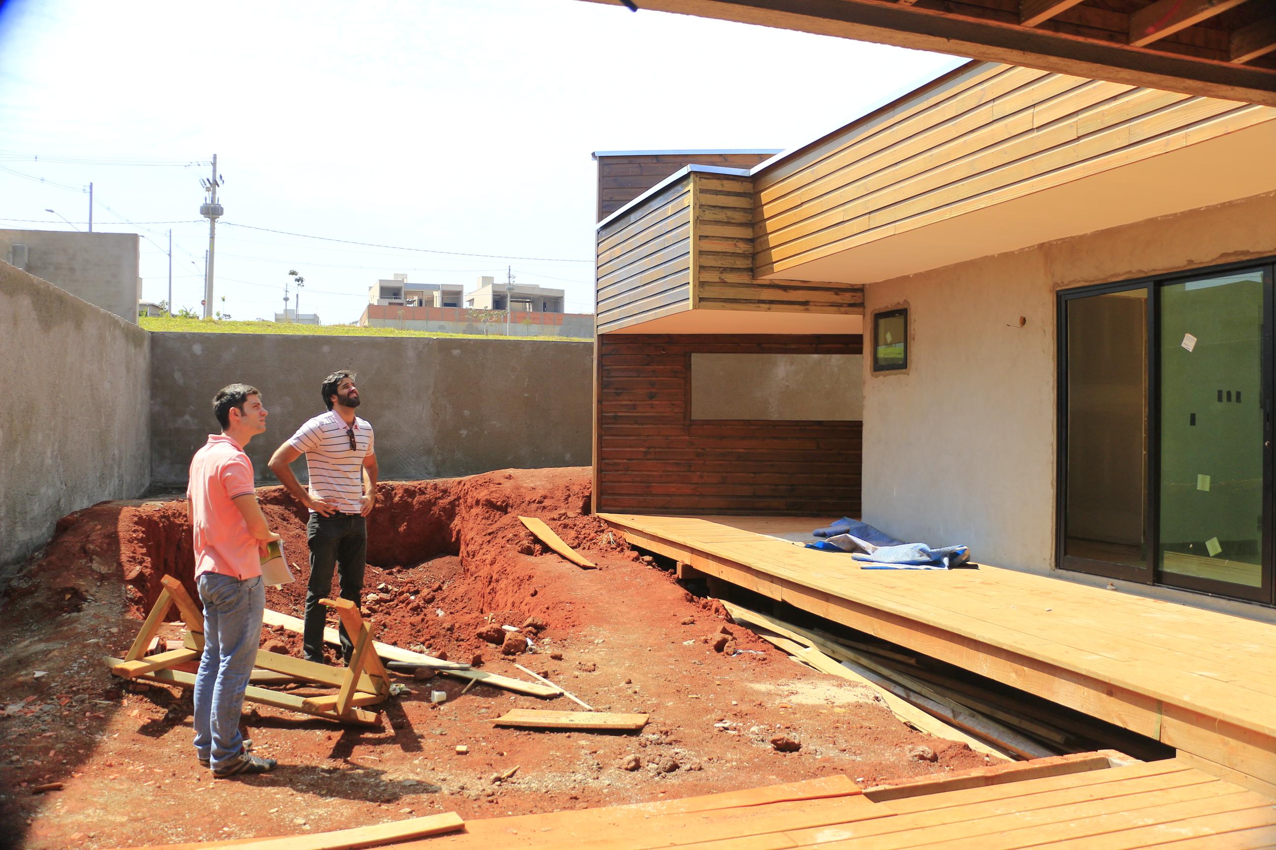 CASA ALPHAVILLE « TETO Arquitetura Sustentável e Paisagismo  #BA7A11 2592x1728 Arquitetura Sustentavel Banheiro