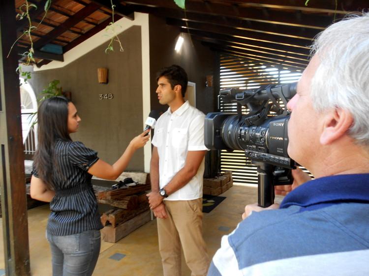 TV CLARET REPORTER KARINA ROSSI_programa Cultura e Meio Ambiente_contato Ecocasa Hiago Vilar (4)
